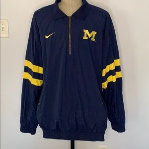 NIKE MICHIGAN WOLVERINES WINDBREAKER EUC MENS XL